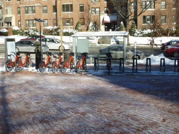 Shoveled CaBi station