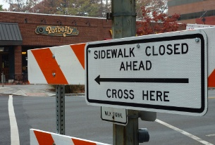 Sign used at Windom Street during the mid-November sidewalk closure. (photo by Pat Davies)