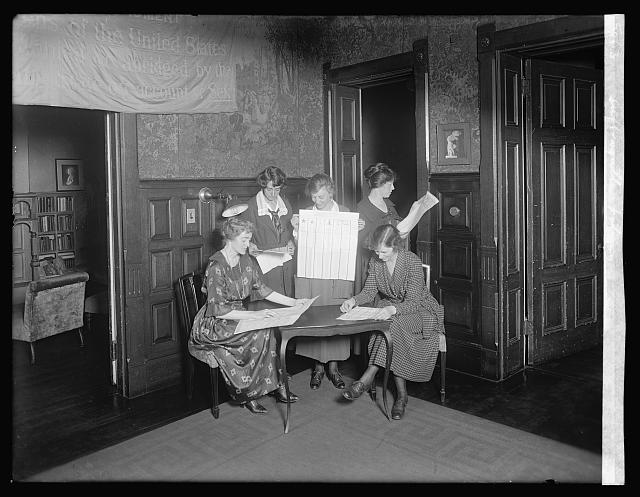 Suffragettes voting in 1920 (photo from loc.gov)