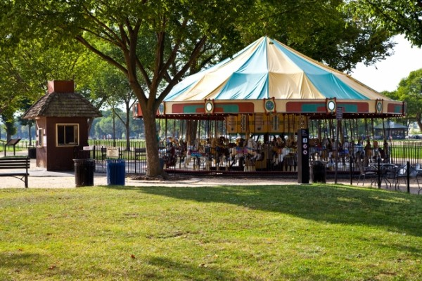 Tree canopy shades carousel on the National Mall. (photo by Casey McAdams, Smithsonian Institution)