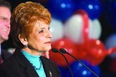 Judy Baar Topinka campaigning 2006.