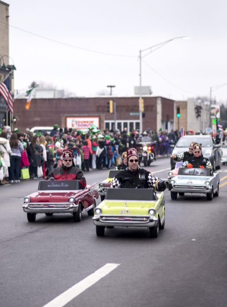 Members of the West Suburban Shriners Club driving their miniature cars. | William Camargo/Staff Photographer