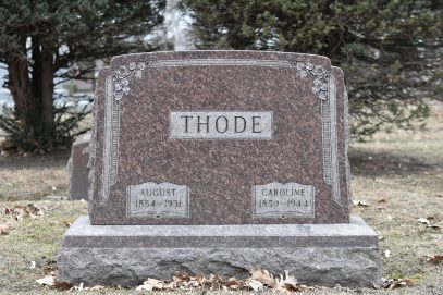 The headstone of August Thode, in the United Ancient Order of Druid section of Forest Home Cemetery.