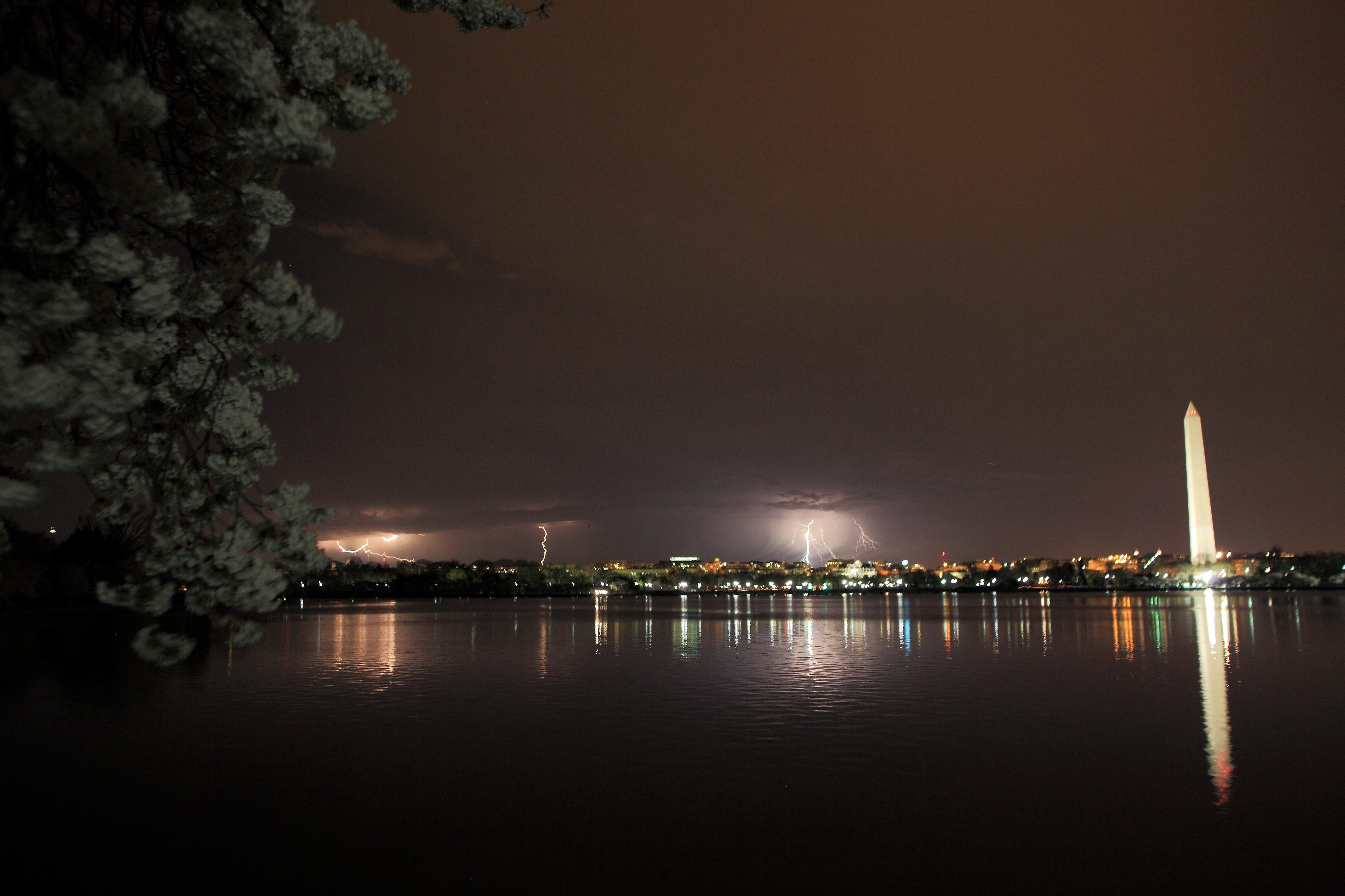 three lightning strikes washington dc night | the sky| free nature