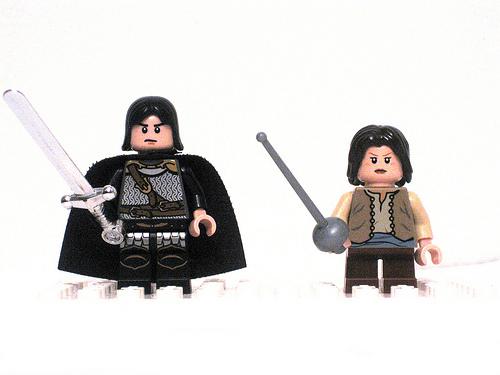 Game of Thrones LEGO minifigs Jon Snow and Arya Stark