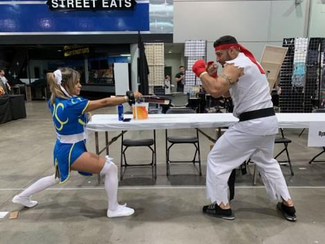 Amazing Las Vegas Comic-Con 2019 - Chun-Li vs Ryu