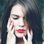 Si sufres de migrañas, estos 6 alimentos las pueden estar desencadenando