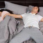 ¿Tu pareja ronca? Así puedes ayudarlo y por fin conseguir el sueño que mereces