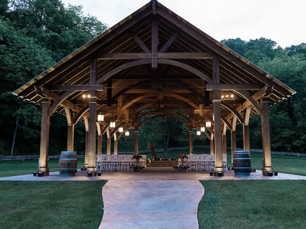 Planning a wedding, community event or festival? Make it truly special with a custom pergola or pavilion