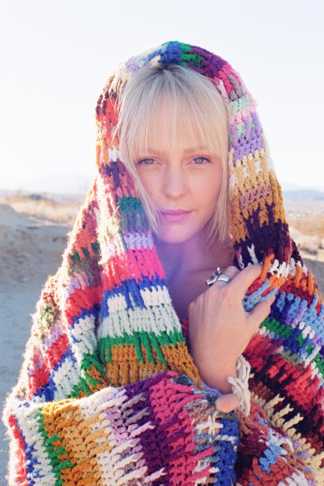 Laura Marling wearing a lovely blanket