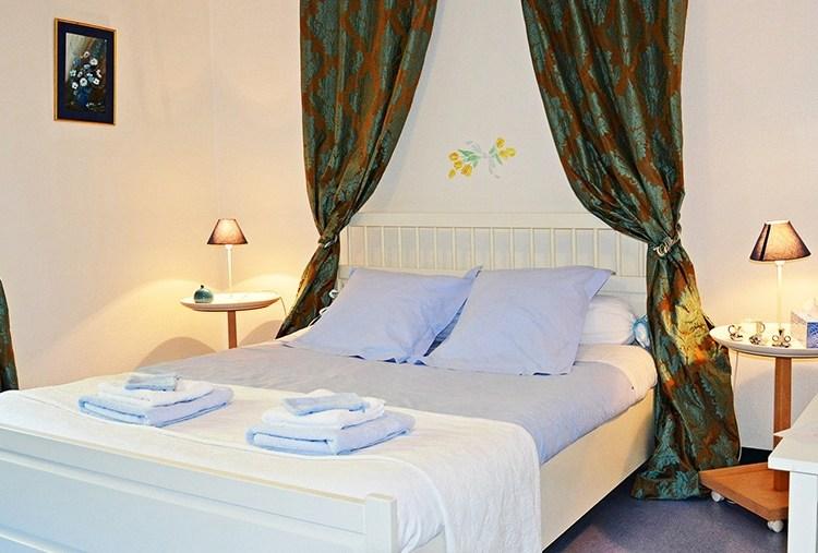 Forges d'enfalits - chambres d'hôtes en Ariège - Chambre Myrtille - bandeau n°2