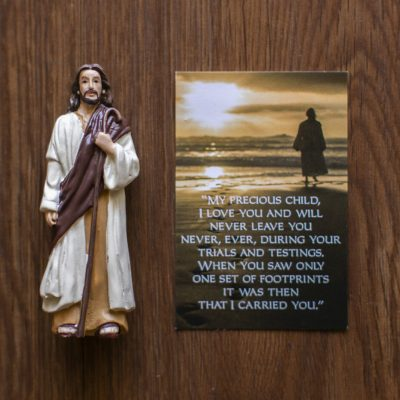 Jesus Figurine with Footprints blessings card