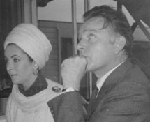 585px-Liz_Taylor_and_Richard_Burton_1965i