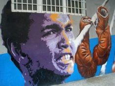 1024px-Vitoria_-_Graffiti_&_Murals_0951