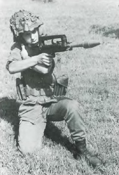 FAMAS with grenade