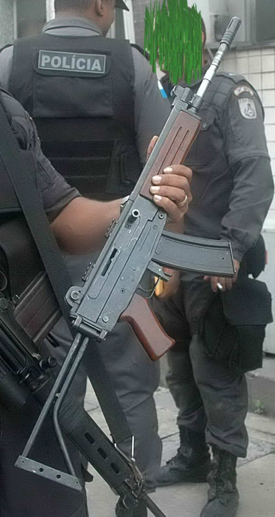 Mystery rifle found in Rio