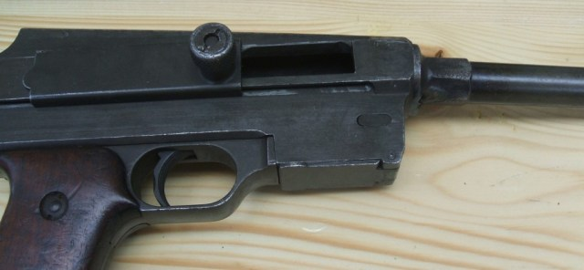 MAS38 magazine well and bolt handle