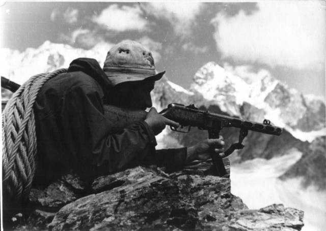 Alpine soldier with a PPSh-41 submachine gun