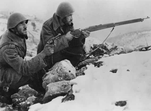 Greek soldiers fighting Italians, 1940/41