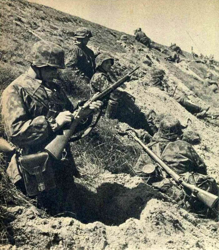 German soldier with R35 Lebel