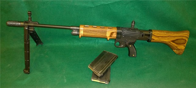 Semiauto SMG FG-42 rifle