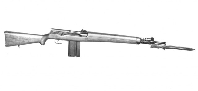 Canadian EX1 self-loading rifle in 7.92mm