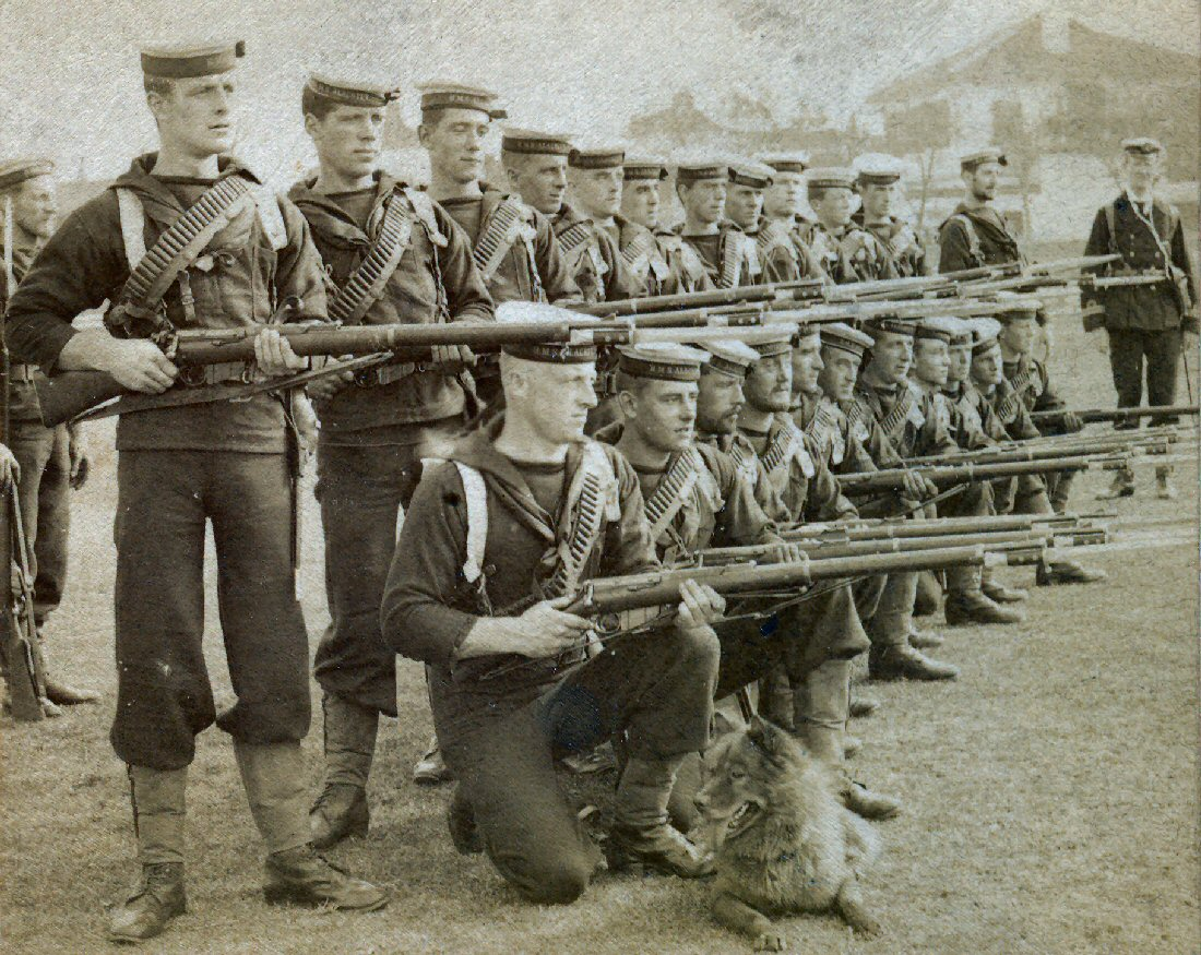 British Marines from the HMS Alacrity in China with Lee-Metford rifles (1900)