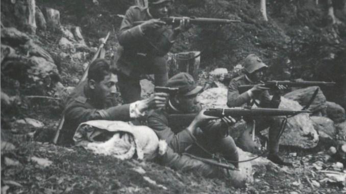 Four Italian WWI soldiers of the Regia Guardia di Finanza (Royal Finance Police)