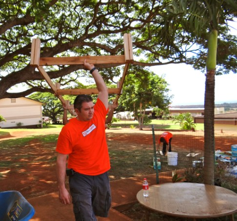 Tim Rothdeutsch, manager, Lihu`e Home Depot, led the team of workers. Photo by Colleen Carroll