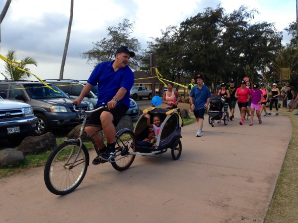 Mayor Bernard Carvalho, Jr. and his grandchildren Nahoa and Welina participated in last year's Mayor-a-thon.