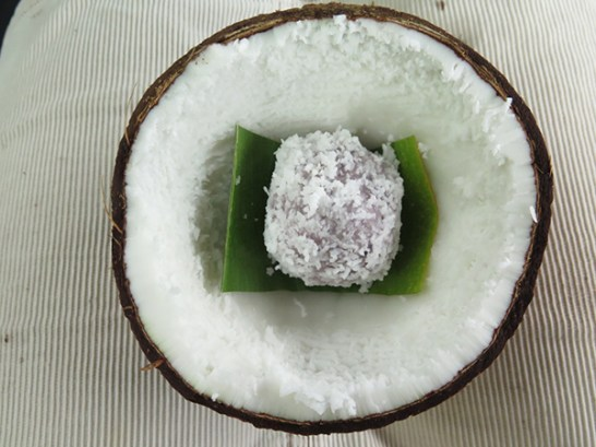 Paʻiʻai ball, poi hand mixed with freshly shredded coconut. There's no added sugar, so it's not sweet, but it's a healthy confection.