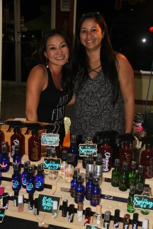 Tami Mitta, left, and Dawn Lagundino