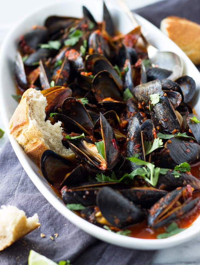 Guajillo Chili Mussels
