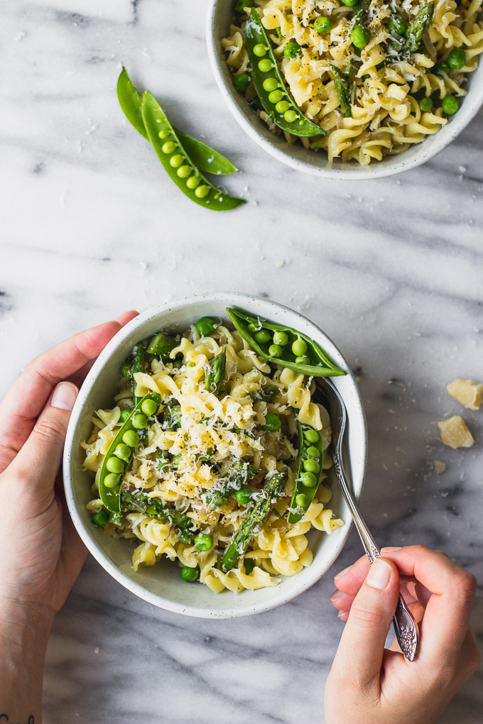 Easy Spring Vegetable Fusilli - an easy, one pot weeknight dinner! | Fork in the Kitchen