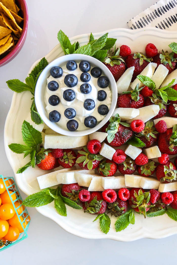 American Flag Fruit Platter: Healthy & Easy!