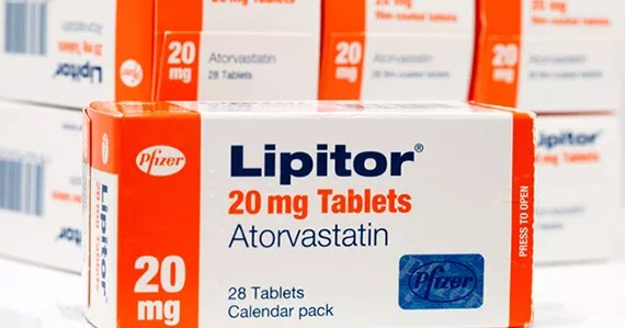 Lipitor570x299 Who Should Take Cholesterol lowering Statins? Everyone or No One?