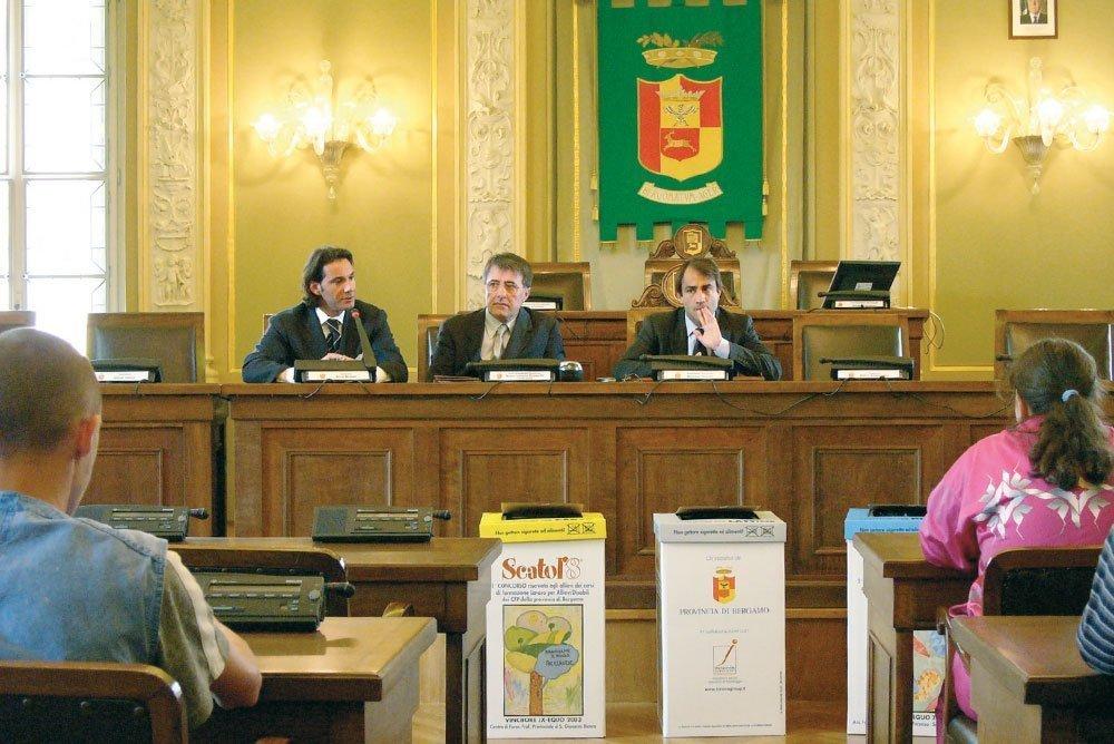 Innova Group – Scatol'8 © BG – Concorso Provinciale (2004)