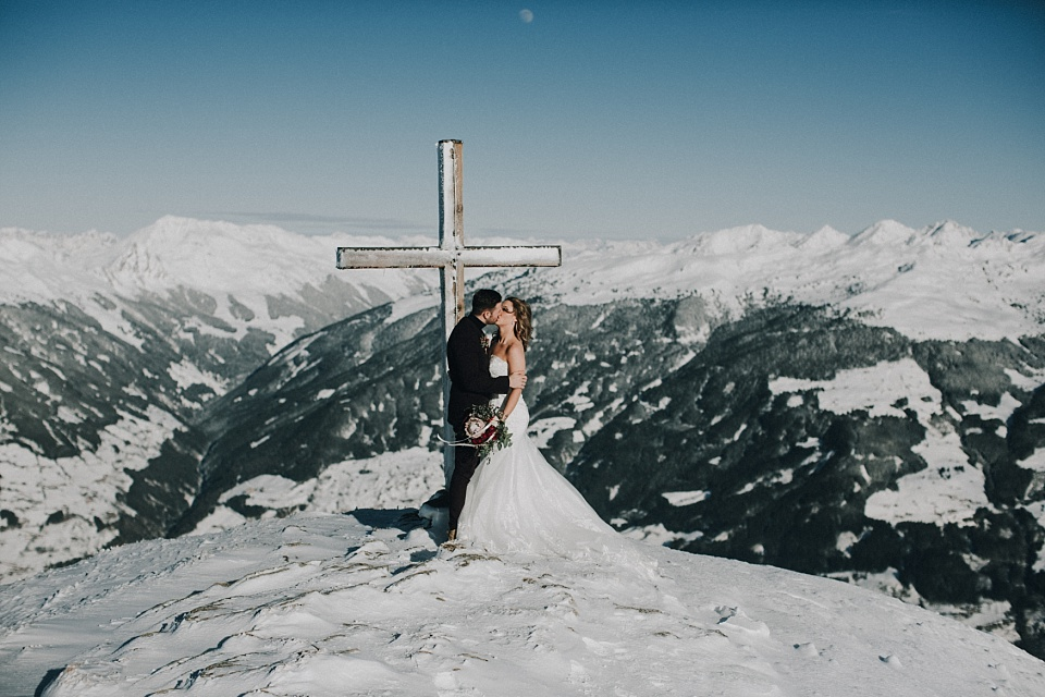 After Wedding Shooting, Zillertal, Brautpaar, Gipfelkreuz