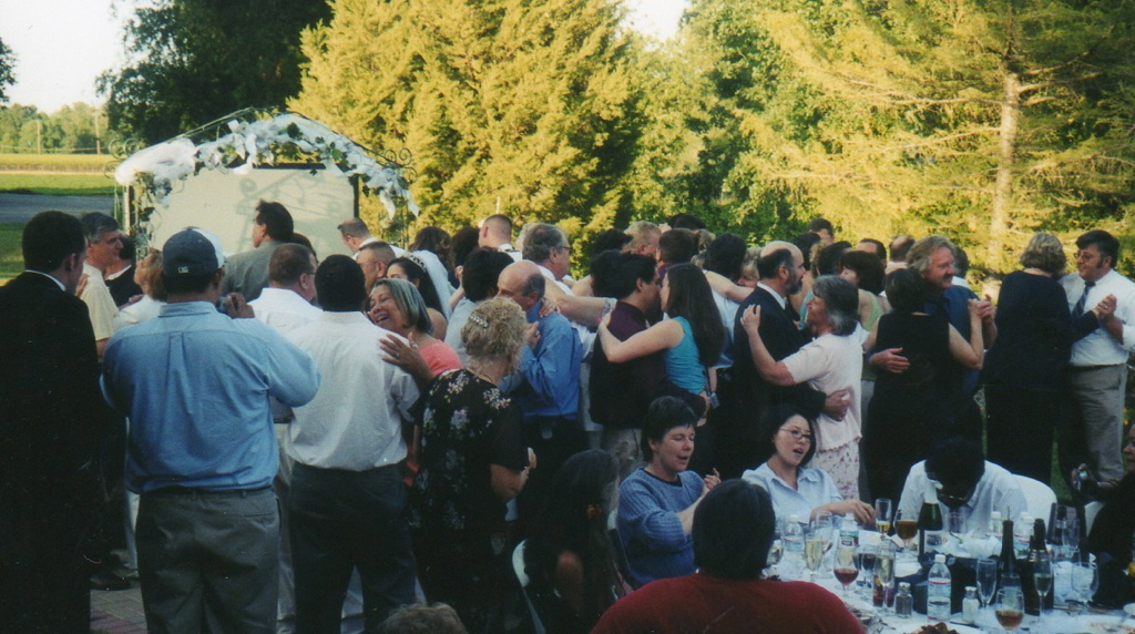 Outside wedding Wilson Vineyards