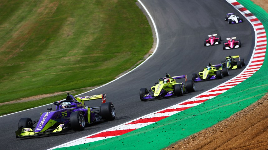 W Series to support F1 at eight races in 2021 | Formula 1®