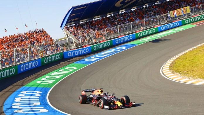 Fórmula 1: Max Verstappen vence o Grande Prêmio da Holanda Zandvoort sobre o rival do título Lewis Hamilton