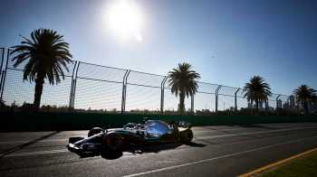 Hamilton takes pole at Australian Grand Prix