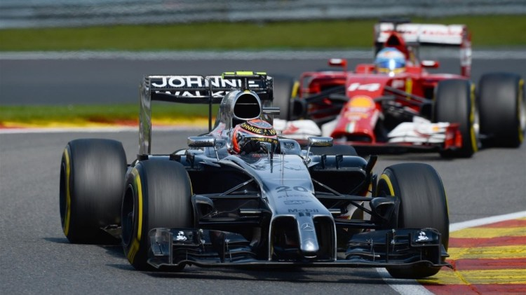 Magnussen loses points after Alonso incident penalty