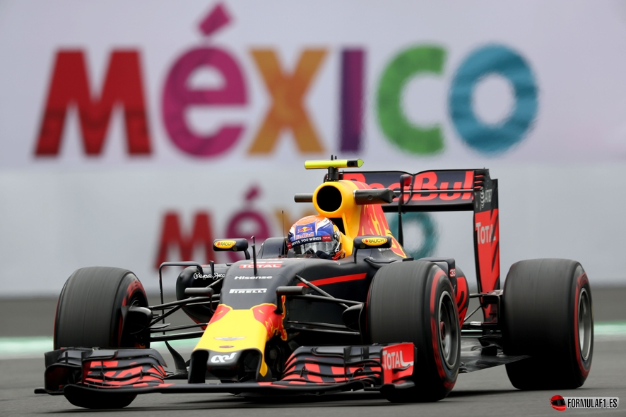 MEXICO CITY, MEXICO - OCTOBER 28: Max Verstappen of the Netherlands driving the (33) Red Bull Racing Red Bull-TAG Heuer RB12 TAG Heuer on track during practice for the Formula One Grand Prix of Mexico at Autodromo Hermanos Rodriguez on October 28, 2016 in Mexico City, Mexico. (Photo by Lars Baron/Getty Images) // Getty Images / Red Bull Content Pool // P-20161029-00054 // Usage for editorial use only // Please go to www.redbullcontentpool.com for further information. //