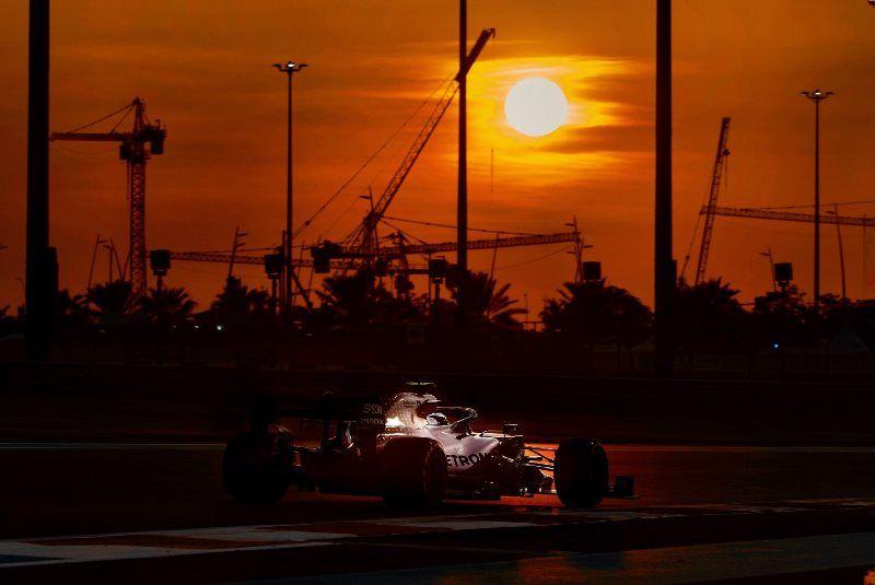 Libres 1: Valtteri Bottas y Mercedes empiezan mandando en Abu Dhabi