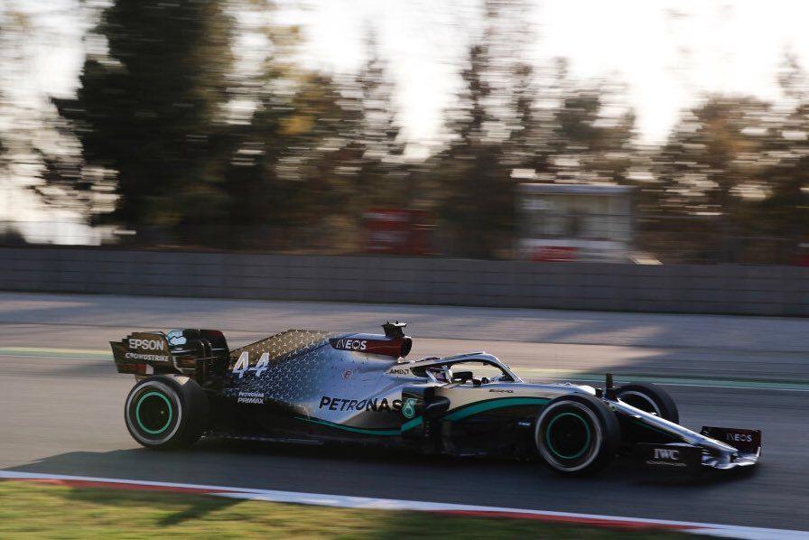 Día 1: Mercedes ratifica su gran ritmo en la pretemporada