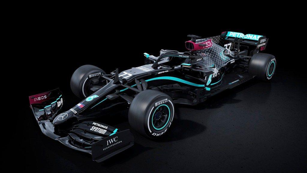 Mercedes cambia la decoración de su monoplaza a negro