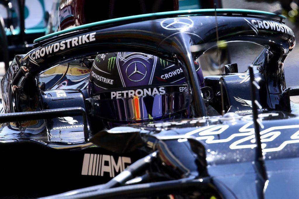 """Lewis Hamilton afirma que dejaron escapar la victoria en la reanudación de la carrera: """"Siempre nos complicamos la vida"""""""