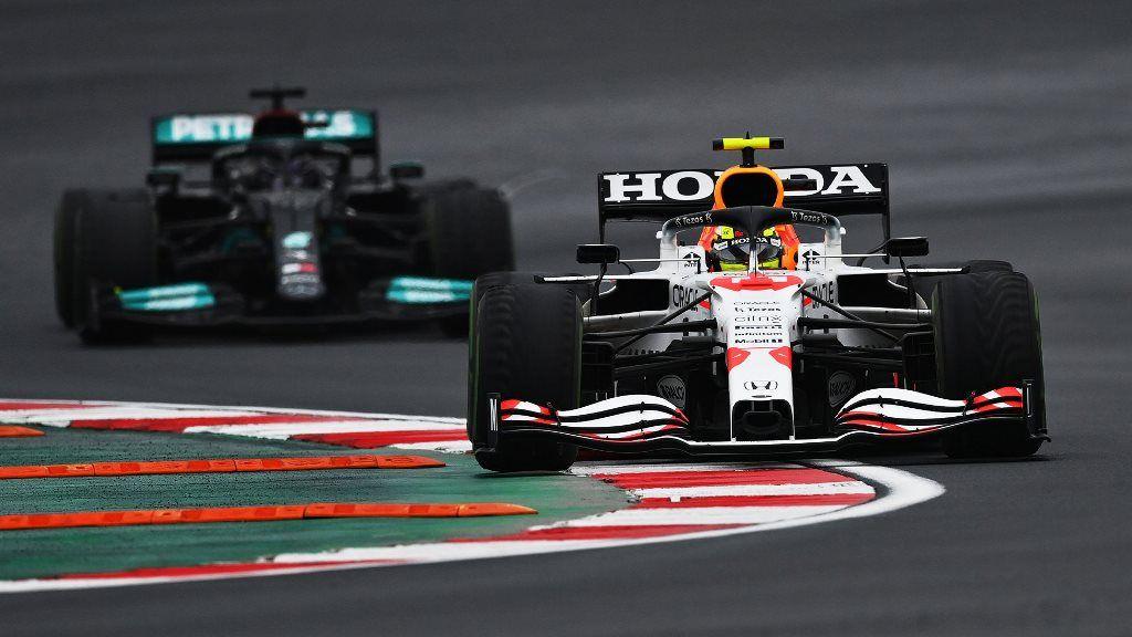 """Sergio Pérez finaliza 3° en el GP de Turquía: """"Ha sido una carrera muy intensa"""""""