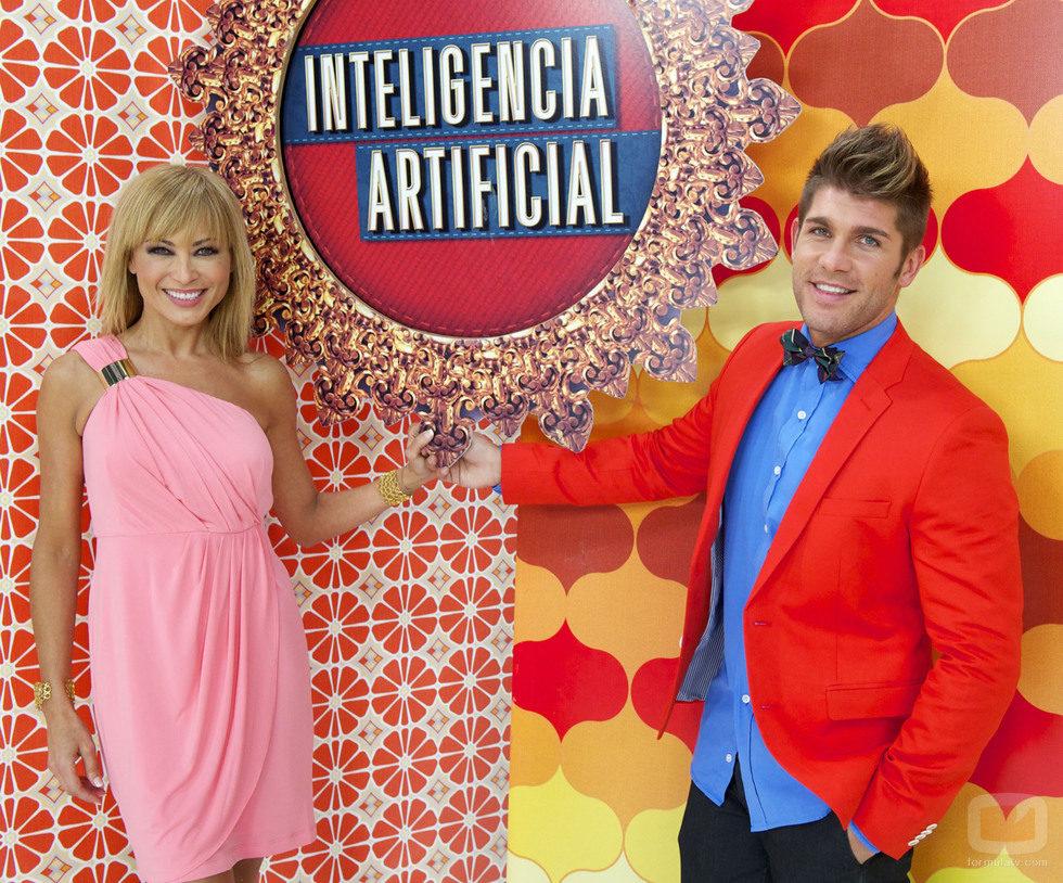 Mar Segura y Rubén Poveda, presentadores de 'Inteligencia Artificial'